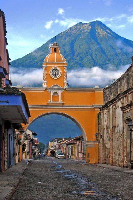 Antigua Volcano Agua-2