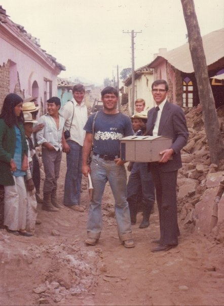 President Robert B. Arnold in Patzún to discuss the housing reconstruction project with the members. (Also shown: Eber Caranza, Gary Larson, D Warnock).