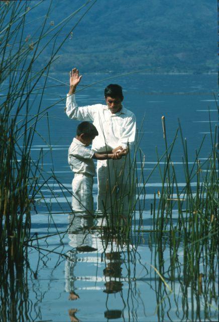 Atitlan baptism (c) Larry Richman
