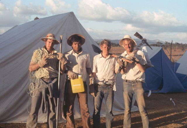 Camp Patzicia work crew 02
