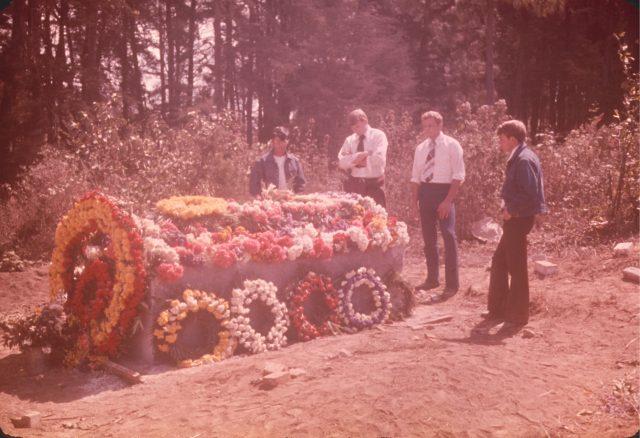 Elders Argueta, Larson, Robbins, and Richman at Daniel Choc's grave