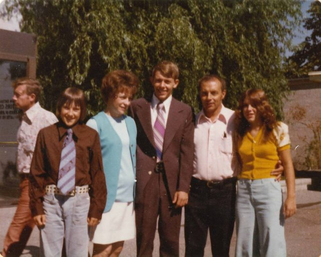 Elder Larry Richman on Temple Square with the family before entering the Mission Home