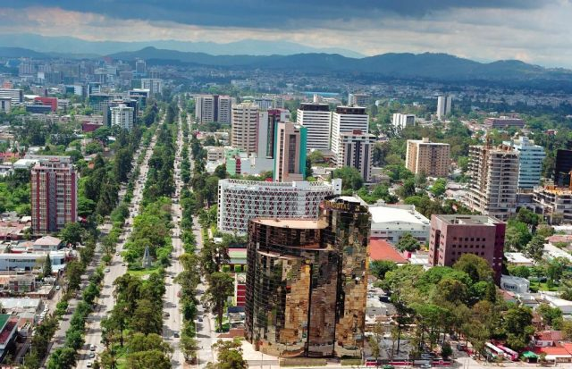 Guate-Ave-Reforma-Camino-Real-Arturo-Mijangos-2016