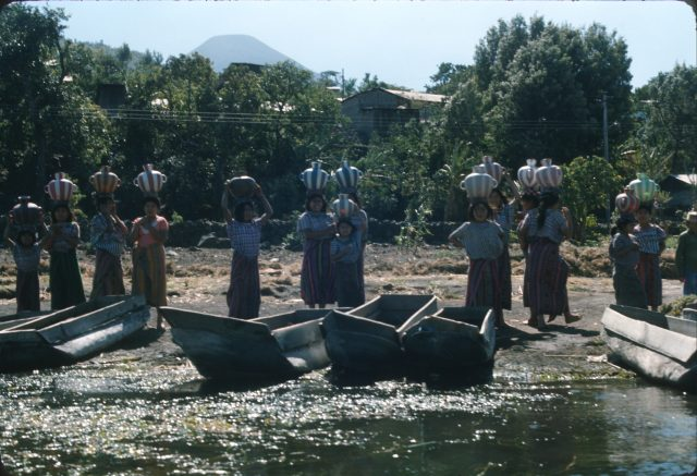 Lake-Atitlan-1-women