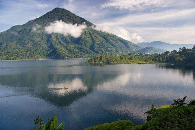 Lake-Atitlan-not-mine-05