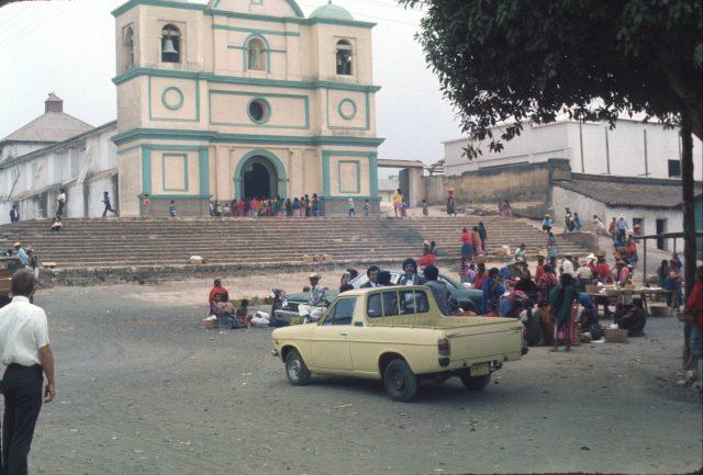 Patzicía town square