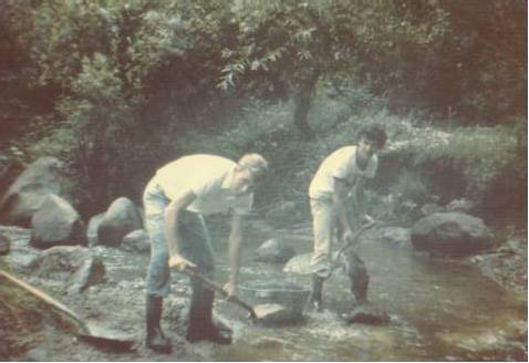 Elder Richman and Walter Matzer (our landlord in Comalapa) collecting sand at the river.
