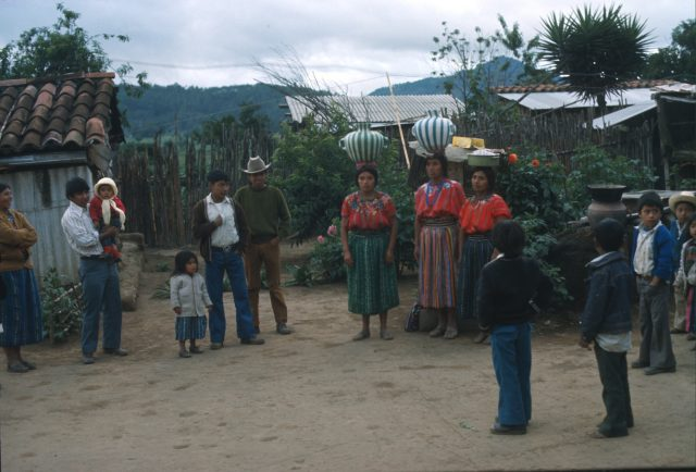 The Aju family (ri Aju'i') in Patzún in 1978.