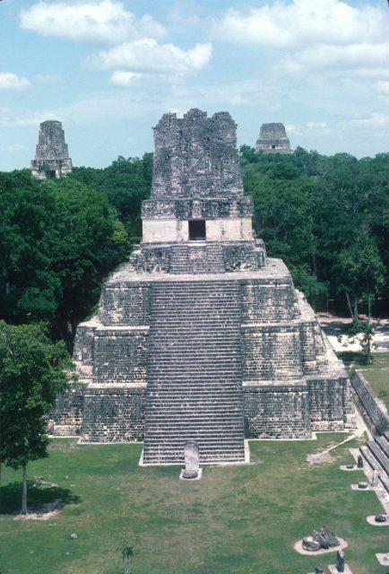 Tikal 1976 02