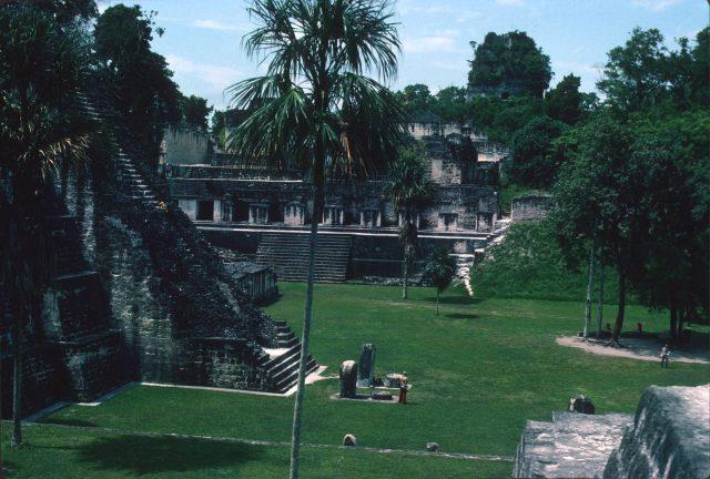 Tikal 1976 03