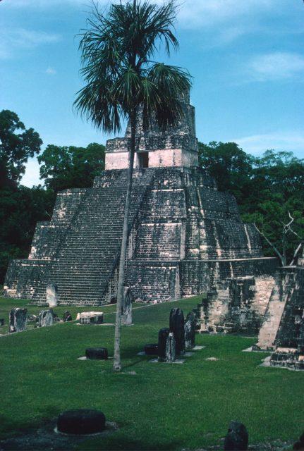 Tikal 1976 09