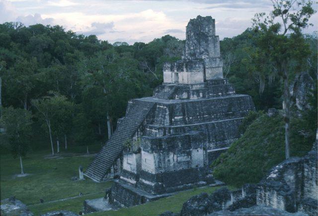 Tikal 1976 12